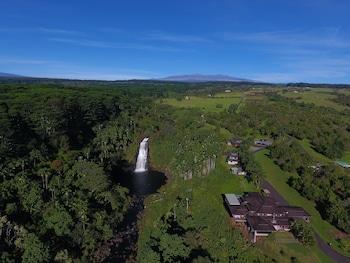 The Inn at Kulaniapia Falls