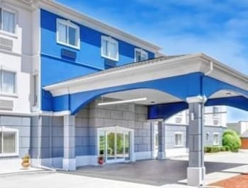 Days Inn and Suites Sulphur Springs