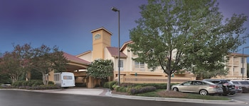 La Quinta Inn & Suites Raleigh Durham International Airport