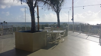 Sea Spray Inn & Beach Resort