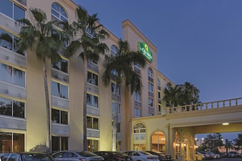 La Quinta Inn & Suites West Palm Beach Airport
