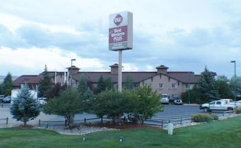 Best Western Plus Deer Park Hotel & Suites