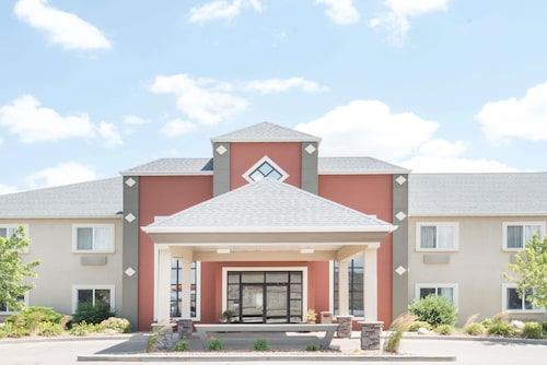 Howard Johnson Hotel Suites By Wyndham Oacoma