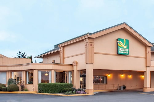 Quality Inn Suites At Coos Bay