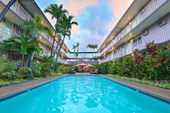 Pacific Marina Inn Airport Hotel