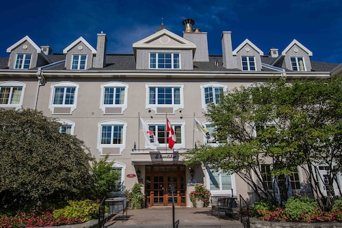 Holiday Inn Express and Suites Tremblant