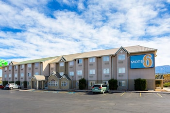 Motel 6 Bernalillo