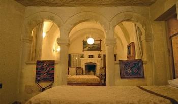 Elysée Cave House