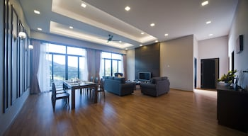 Nova Highlands Resort & Residence