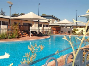 Broadwater Mariner Resort