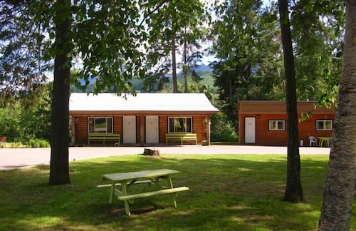 Watauga Village Cabins & Motel