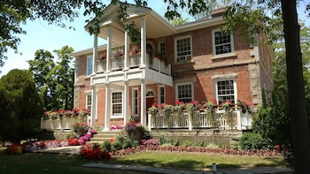 Locust Grove Historic Bed and Breakfast