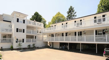Eagle House Motel