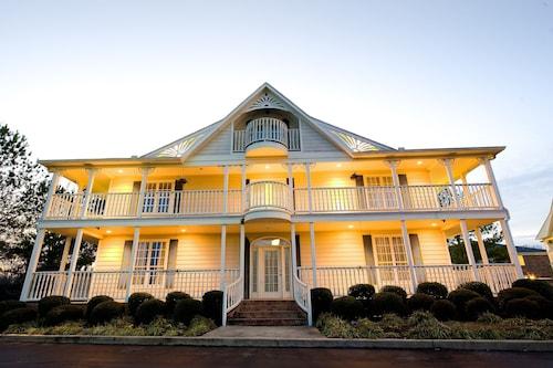See All Hotels Near Millington Plantation Oaks Suites Inn