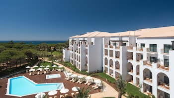 Pine Cliffs Ocean Suites, a Luxury Collection Resort,Algarve
