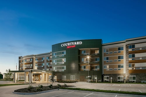 Courtyard by Marriott Omaha Bellevue Beardmore Event Center