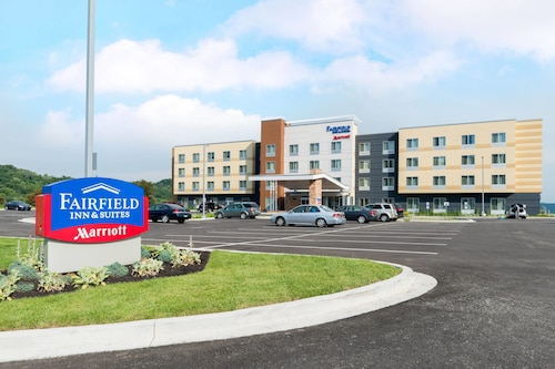 Fairfield Inn Suites By Marriott Huntington
