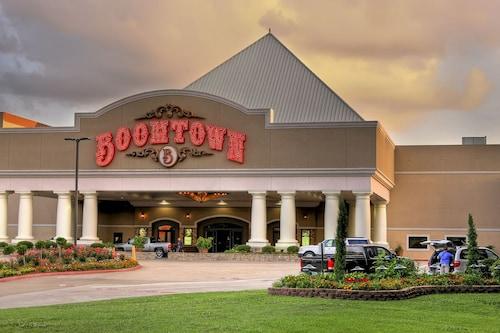 Boomtown Hotel