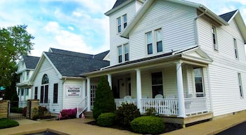 Our Guest Inn and Suites - Downtown