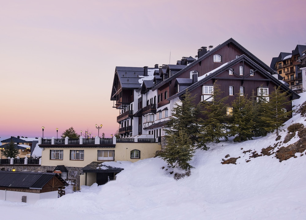 Hotel Vincci Selección Rumaykiyya + Forfait en Sierra Nevada