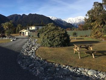 Glacier View Motel