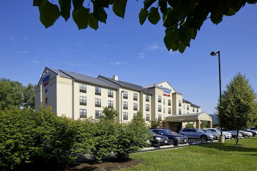 Fairfield Inn Suites By Marriott Berland