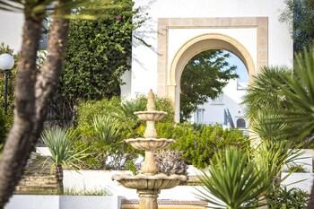 Golden Tulip Carthage Residence