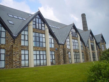 Kernow Homes - Travel accommodation