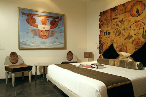 Le Sutra Hotel
