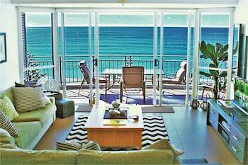 Indigo Blue Beachfront Apartments