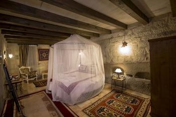 Divan Cave House