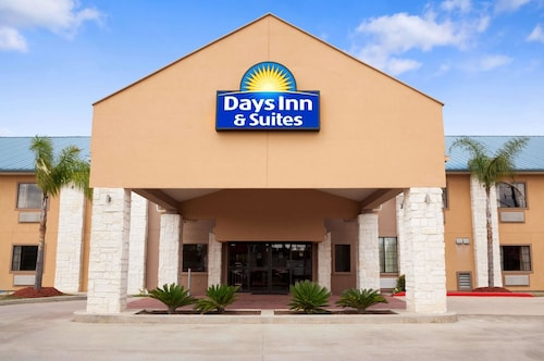 Days Inn Suites By Wyndham Conroe North