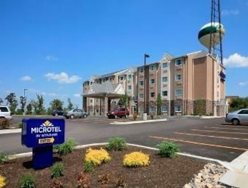 Microtel Inn & Suites by Wyndham Triadelphia/Wheeling