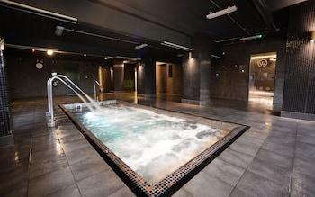 Waterside Hotel & Leisure Club