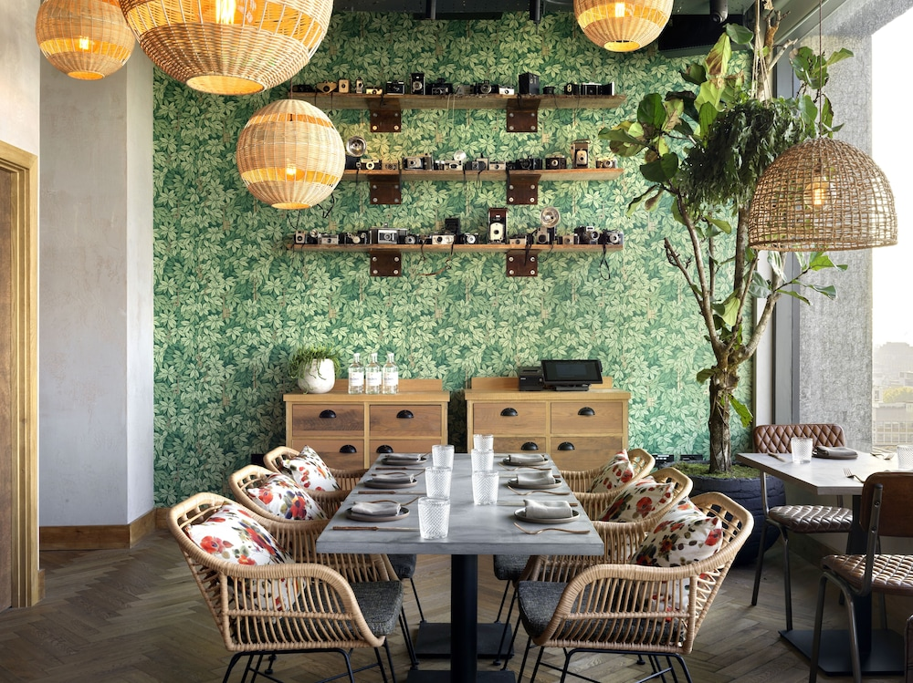 Dining, Treehouse Hotel London