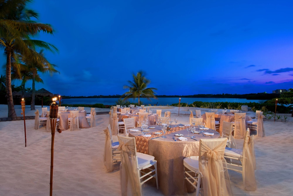 Outdoor Banquet Area, The Westin Resort & Spa Cancun