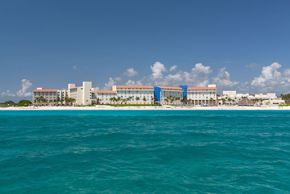 Exterior, The Westin Resort & Spa Cancun