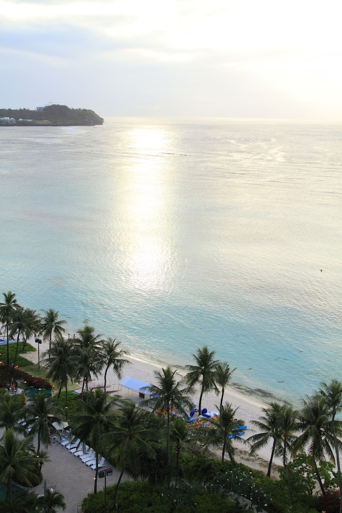 Beach, Hyatt Regency Guam