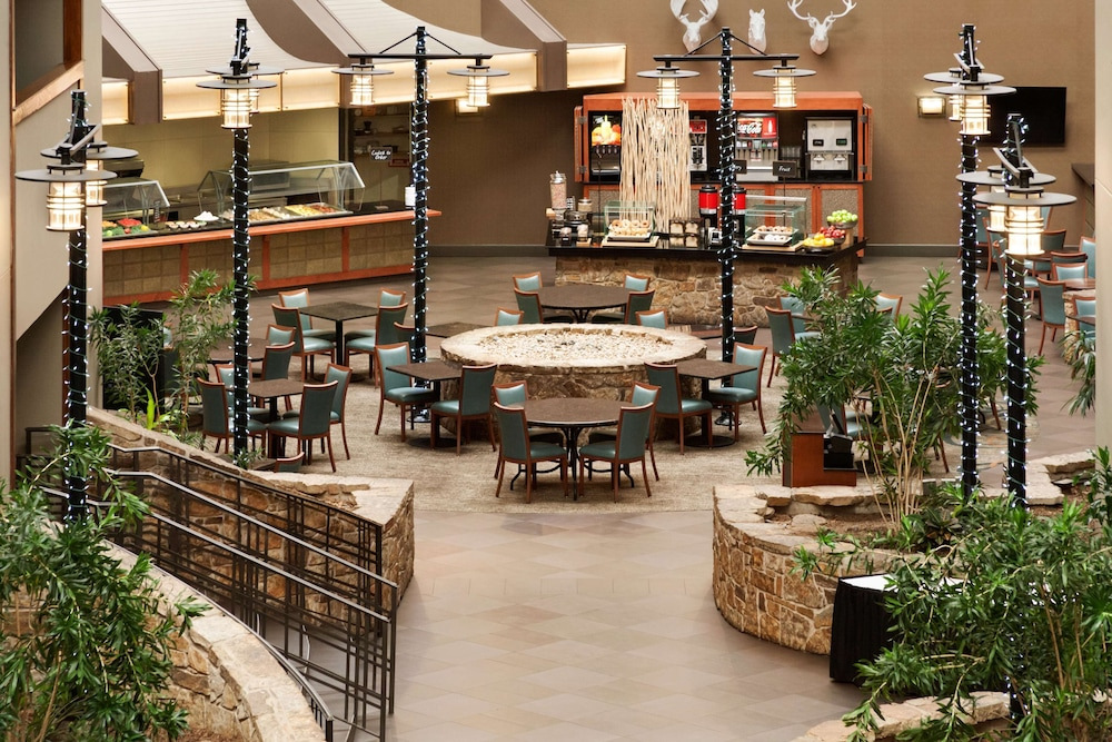 Restaurant, Embassy Suites Oklahoma City Will Rogers Airport
