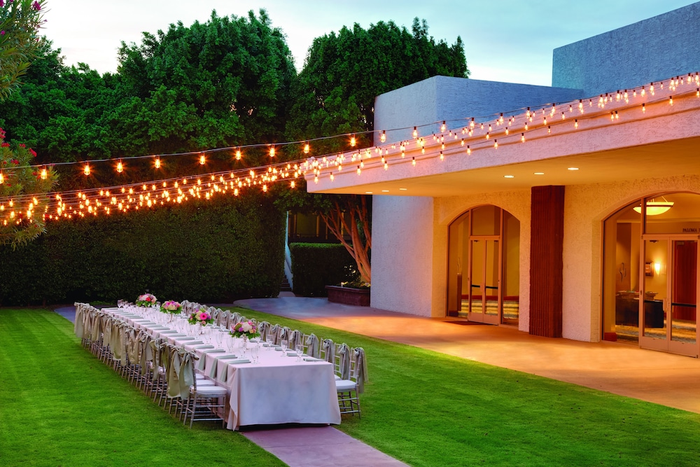 Outdoor Banquet Area, Embassy Suites by Hilton Scottsdale Resort