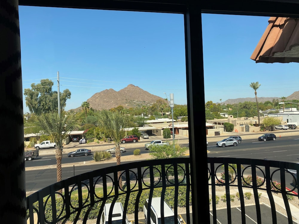 Mountain View, Embassy Suites by Hilton Scottsdale Resort