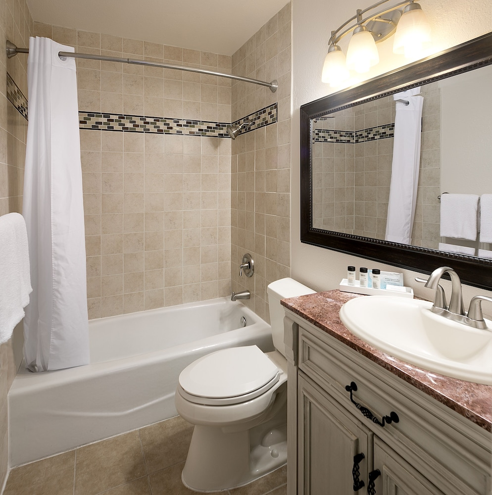Bathroom, La Jolla Cove Suites