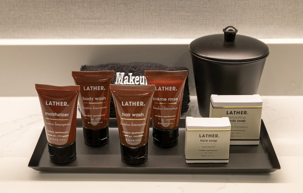 Bathroom Amenities, La Jolla Cove Suites