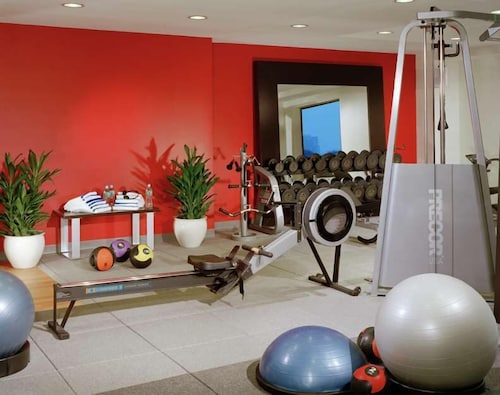 Fitness Facility, DoubleTree Suites by Hilton Hotel Boston - Cambridge