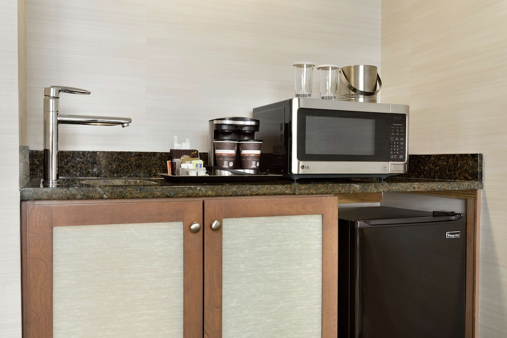 Private Kitchen, DoubleTree Suites by Hilton Hotel Boston - Cambridge