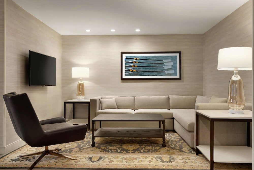 Living Area, DoubleTree Suites by Hilton Hotel Boston - Cambridge