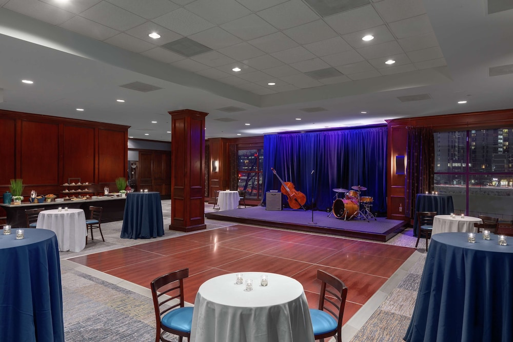 Meeting Facility, DoubleTree Suites by Hilton Hotel Boston - Cambridge