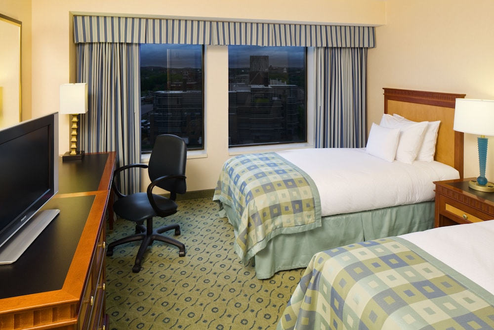 Room, DoubleTree Suites by Hilton Hotel Boston - Cambridge