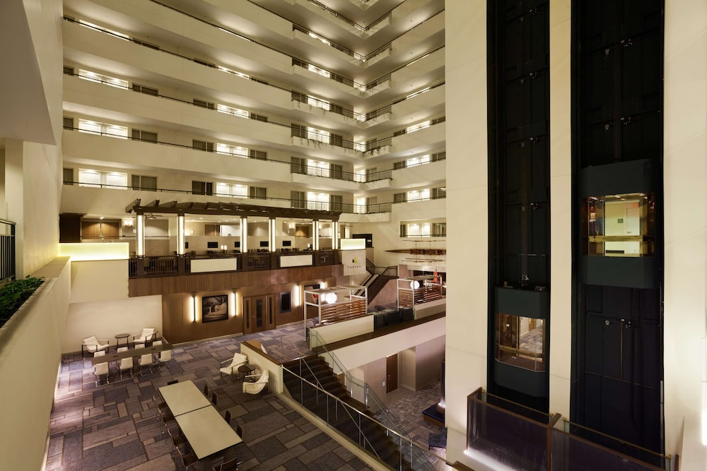 Lobby, DoubleTree Suites by Hilton Hotel Boston - Cambridge