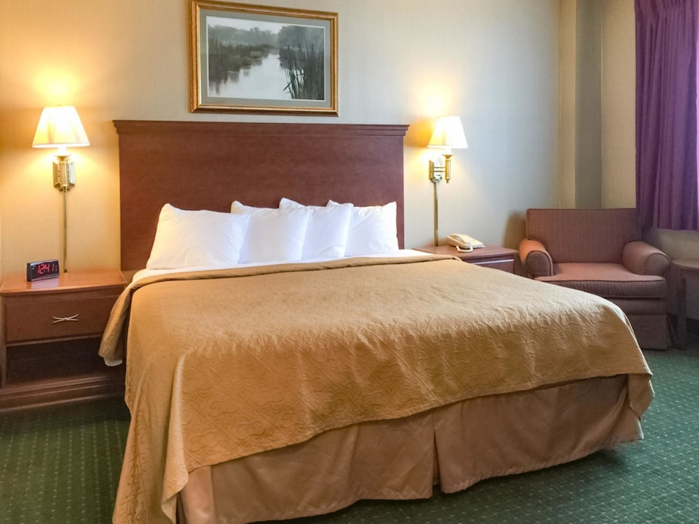 Room, Quality Inn & Conference Center